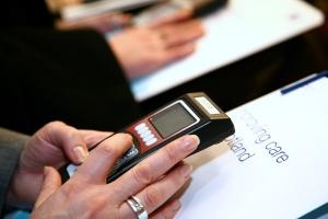 Interacción con público a través de mandos de votación